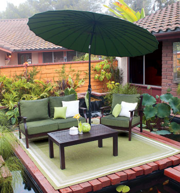 Treasure Garden rug and umbrella