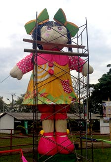 Nana, the world's largest rag doll