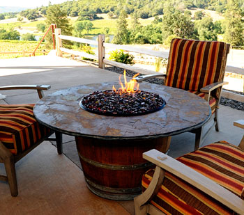 Vin de Flame fire pit table