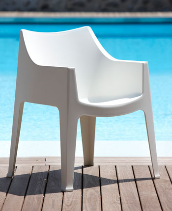 Euro Style Coccolona chair