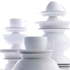 Maxwell & Williams debuts in the U.S. with Cashmere dinnerware distributed by Fitz & Floyd. fitzandfloyd.com