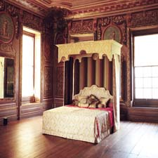 Savoir Royal Bed