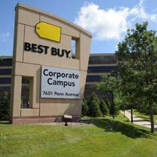 Best Buy Posts Q1 Loss