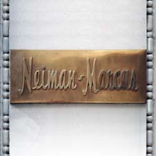 Neiman_Marcus_flagship_store_-_sign