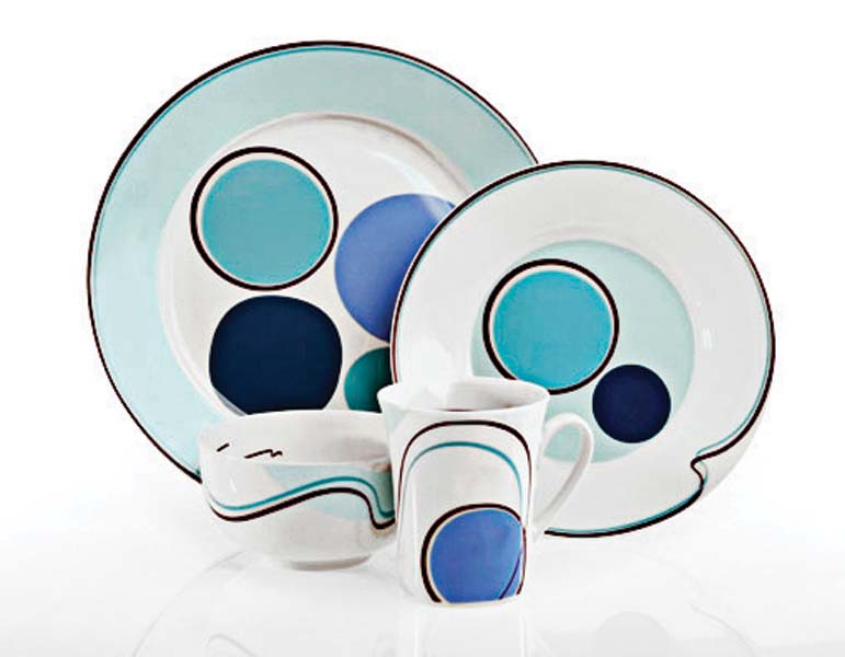 From Sweden, Hälsa is a bold blue pattern that has the recommended food serving sizes integrated into the design. livligahome.com