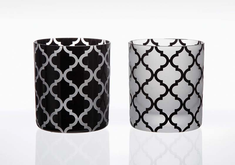 Arabesque, one of Artel's newest motifs, is available in all Artel colors. artelglass.com