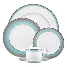 Party planner Sharon Sacks created this ombré effect pattern for Lenox. lenox.com