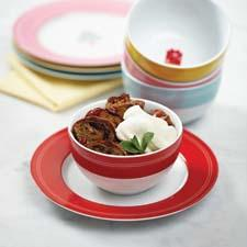 Dessert plates and bowls round out the new Cake Boss licensed collection from Meyer. meyer.com