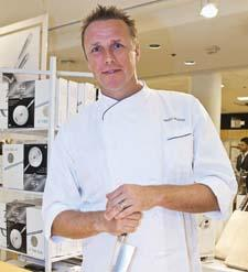 Among the star sightings was All-Clad's new cutlery collection, which was the highlight of a cooking d emonstration given by Chef Marc Murphy at the Bloomingdale's 59th Street location.