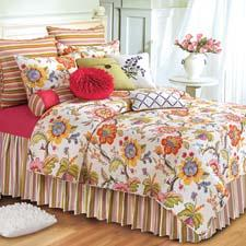 Laney, a romantic garden bouquet look that promises the arrival of spring, is available in tabletop and bedding (pictured here). cnfei.com