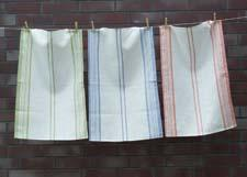 Spring is a new line of kitchen towels made of linen, which absorbs water better than cotton. linenme.com