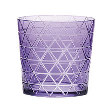 In partnership with Theresienthal, Sieger introduces the new Color Cuts barware collection in several shades. sieger.org