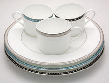 Oyster Pearl, Caribbean Pearl and Onyx Pearl are among Nikko's newest bone china introductions this season. nikkoceramics.com