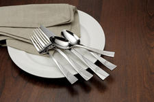 Oneida?s Serafina 18/0 flatware pattern, part of its decorative  grouping, has a mirror and bead blast finish.