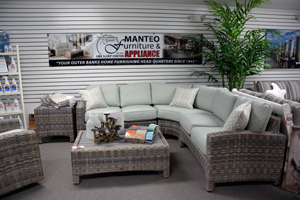 manteo outdoor with sign