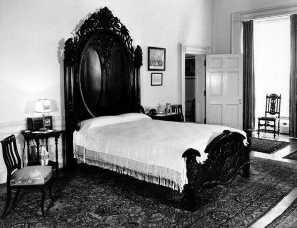 A President's Day puzzle: Was Lincoln's bed 127 years old?