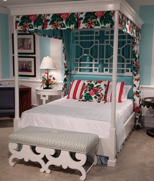 The Tuxedo Poster Bed Is Modeled After The Bed Draper Had In Her Carlyle  Hotel Residence.