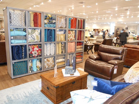 Havertys Unveils Greensboro Store Casual Living