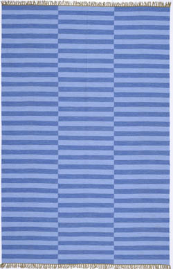 A classic for Ralph Lauren Home, this nautical pattern is updated for indoor-outdoor use and offered in four new colors by Safavieh. Using fade resistant, easy to care for polypropylene, this rug is crafted in the texture of kilim flatweave carpets.