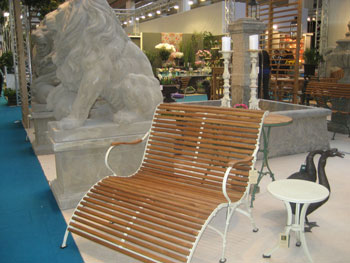 This new bench with footrest from Livingstone Terrasso of The Netherlands was one of the company's most popular products at the show.