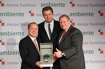 Left to right: Takeshi Nakane, Japanese Ambassador to Germany; Detlef Braun, member of the Board of Management of Messe Frankfurt; and Kevin Milas, consul general of the United States, during the Partner Country ceremony. At the end of the ceremony, Nakane passed the baton to Milas as the U.S. was announced as the 2015 Partner Country.